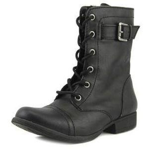 NWT American Rag Fallyn black boots